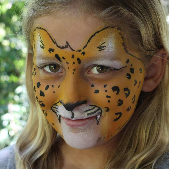 how to paint a leopard face auntie stacey 39 s face painting. Black Bedroom Furniture Sets. Home Design Ideas