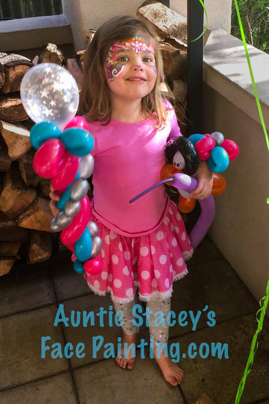 Face painting and balloons by Auntie Stacey, www.auntiestaceysfacepainting.com, San Francisco Bay Area children's entertainer, fun, games, magic, puppets